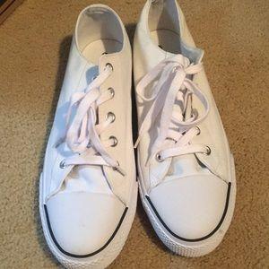 White airwalk (knock off converse)